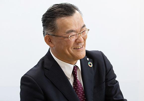 インタビュー記事:株式会社セブン&アイ・ホールディングスの米谷修氏の写真